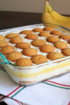 This Dreamy Layered Banana Pudding Dessert is a delicious and easy no-bake dessert! Sliced bananas, instant vanilla pudding, homemade whipped cream, and a luscious sweet cream cheese mixture are layered on top of a buttery vanilla wafer crust for the best banana pudding dessert you'll ever eat! #bananapudding #layereddessert #nobakedessert #bananapuddinglasagna No Bake Banana Pudding, Banana Pudding Desserts, Banana Dessert, Easy No Bake Desserts, Party Desserts, Dessert Recipes, Vanilla Wafer Crust, Mousse Dessert, Instant Pudding Mix