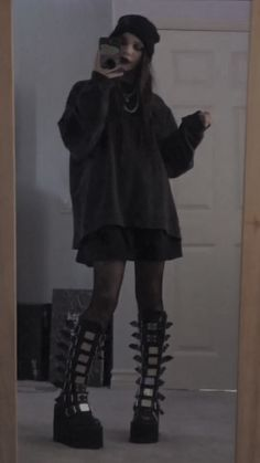 Adrette Outfits, Retro Outfits, Grunge Outfits, Fashion Outfits, Aesthetic Grunge Outfit, Aesthetic Clothes, Mode Emo, Mode Poster, Egirl Fashion