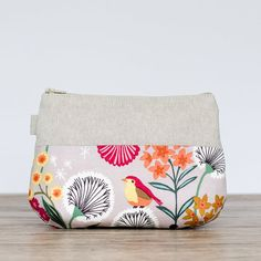 make up bag // bird and flowers cotton & linen // zipper pouch // cosmetic storage Closed For Christmas, Hand Gestempelt, Cosmetic Storage, Makeup Essentials, Christmas Delivery, Zipper Pouch, Cotton Linen, Hand Stamped, Mini