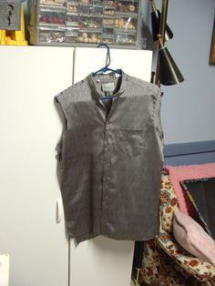 inside of DIY travel vest, tutorial for using thrift shop vest and a shirt for the lining