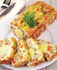chec-sarat-umplut-cu-oua Tart Recipes, Sweets Recipes, Amazing Food Decoration, European Dishes, Good Food, Yummy Food, Romanian Food, Fruit Snacks, Desert Recipes