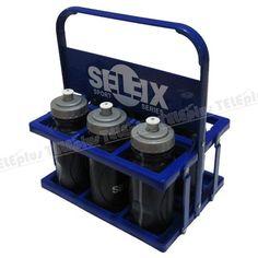 Selex 6 lı Suluk Takımı - Materyali: Plastik İçecek alma kapasitesi: 500 ml  Adedi: 6  Taşıma aparatı: Var (plastik)  Sağlık Bakanlığı onayı: Var  Renk: Gri-saks mavi  Kullanım alanları: Her branşın antrenman ve müsabakalarında kullanılır. Her yaş grubuna uygundur.  Selex marka suluklar T.C. Sağlık Bakanlığı tarafından onaylıdır. Sağlığa zararlı maddeler içermediği laboratuvar testleriyle kanıtlanmıştır. - Price : TL63.00. Buy now at…