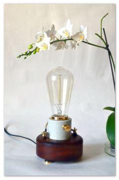Светильник с лампочкой Эдисона. Доработанный.