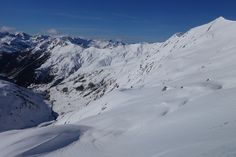 Peña Blanca (2365 metros) y pico de la Canal Roya (2345 metros) desde el Col d'Anéou