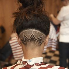 Growing Out Medium Length Hairstyle For Men Nape Undercut Designs, Undercut Styles, Undercut Hairstyles, Updo Hairstyle, Hair Undercut, Hair Tattoo Designs, Shaved Hair Designs, Hair Patterns, Haircut Designs