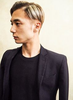 外国人風ホワイトグラデーション(髪型メンズ)