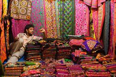 The Guardian July photo competition: Law Garden night market in Ahmedabad, India (by Jamie Furlong)