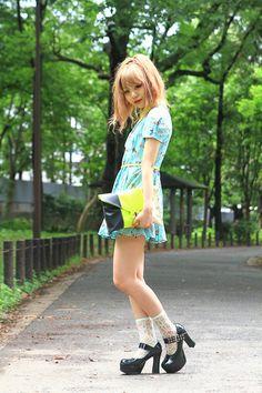 Brand:one spo  More photo at:  http://www.fashionsnap.com/streetsnap/2012-07-29/17883/#