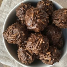 Healthy Sweet Snacks, Healthy Dessert Recipes, Raw Food Recipes, Gourmet Recipes, Sweet Recipes, Ferrero Rocher, Nutella, Chocolate Fit, Healthy Cooking