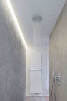 New Indirect Lighting Architecture Ceilings Ideas Kitchen Table Lighting Fixtures, Industrial Bathroom Lighting, Diy Light Fixtures, Bedside Lighting, High Ceiling Lighting, Recessed Lighting Trim, Indirect Lighting, Linear Lighting, Shower Lighting