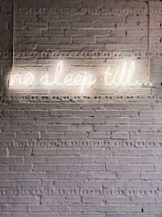 ❤️ Brooklyn Coffee, White Heaven, Neon Quotes, Coffee Shop, Cool Designs, Neon Signs, Words, Cover Art, Dreams