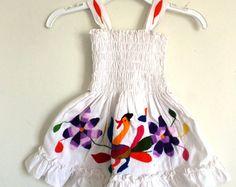 Hermoso vestidito bordado a mano #OTOMI  para niña talla 2 años