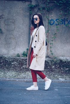 Get this look: http://lb.nu/look/8179459 More looks by Andreea Birsan: http://lb.nu/andreeabirsan Items in this look: Christian Dior So Real Sunglasses, C&A Blouse, Zara Trench Coat, Mango Red Trousers, Mango White Sneakers, Pelledoca Bag #casual #minimal #street #andreeabirsan #couturezilla #trench #trenchcoat #zara #trousers