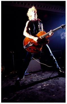 ♫'''American rockabilly band The Stray Cats, with guitarist Brian Setzer, performing at The Cedar Club, Birmingham, England, 1980...☺...'''♫ http://www.gettyimages.fr/detail/photo-d'actualit%C3%A9/american-rockabilly-band-the-stray-cats-with-photo-dactualit%C3%A9/461185699