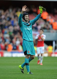 Petr Cech waves to the stands after keeping a clean sheet against Stoke City Stoke City, European Football, Fa Cup, Arsenal, Premier League, Soccer, 4 Life, Waves, Futbol