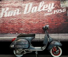 Scroll through the history of limited edition Ron Daley special Vespa PX scooters Lambretta Scooter, Vespa Scooters, Vespa Special, Vespa Px 200, Lml Star, Classic Vespa, Scooter Design, Motor Scooters, Small Boats