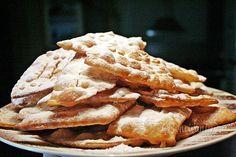 Božie milosti (křeháčky) in slovak Czech Recipes, Sweet And Salty, Sweet Life, Apple Pie, Sweet Recipes, Waffles, Sweet Tooth, Food And Drink, Rum