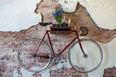 stauraum für fahrräder an der wand wohnideen