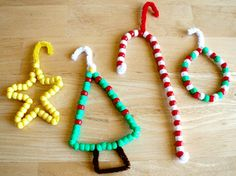 tons of links to Christmas crafts. JESS THINGS FOR YOUR KIDS TO DO.