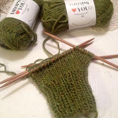 Ihan Kaikki Kotona: Peukku intialaisittain Knitting Socks, Knitting Ideas, Viera, Projects, Knit Socks