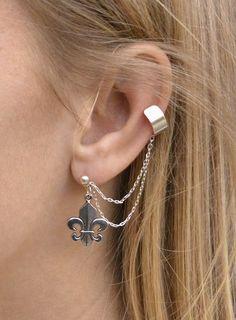 Silver ear cuff with a fleur-de-lis charm. No cartilage piercing necessary!