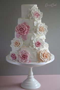 Round Layer Cake with Huge Roses