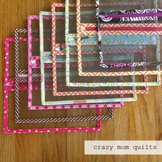 sewing with vinyl and shortening zippers (crazy mom quilts) Sewing Hacks, Sewing Tutorials, Sewing Crafts, Sewing Patterns, Sewing Tips, Art Fil, Crazy Mom, Craft Bags, Sewing Accessories