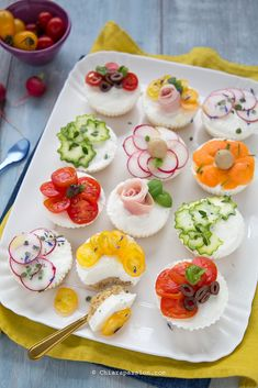 Sandwich Cake Sandwiches Hors D Oeuvre Fingerfood Food Lists Antipasto Quiche Food Hacks Food Inspiration Finger Food Appetizers, Finger Foods, Appetizer Recipes, Gourmet Recipes, Healthy Recipes, Food Carving, Food Displays, Snacks, Antipasto