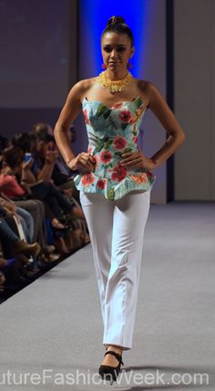 Ariel Cedeno Couture Fashion Week New York Spring 2013 #FashionWeek #Fashion #Couture #AndresAquino #Style #Women #Designer #Model #Flowers #White