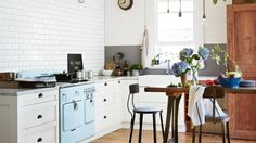 white-rustic-country-kitchen-retro-oven-stools-mar14