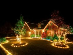 http://sketza.com/wp-content/uploads/2016/09/outdoor-christmas-decorations-and-diy-christmas-lighting-ideas.jpeg