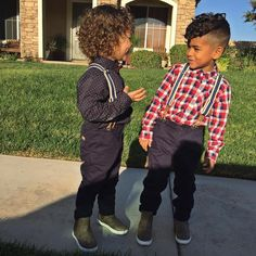 Inspiration for curly biracial boys haircuts & styles. From mixed kids' afros to boy buns, twists, cornrows and fades, we've got loads of ideas to get creative. Boys Curly Haircuts Kids, Mixed Boys Haircuts, Toddler Curly Hair, Curly Hair Baby, Boys Haircut Styles, Baby Boy Hairstyles, Toddler Boy Haircuts, Black Men Hairstyles, Boys With Curly Hair
