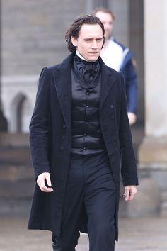 Tom Hiddleston. #CrimsonPeak Via Torrilla.tumblr.com