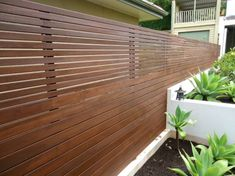 horizontal cedar fence designs wooden horizontal cedar fence wooden horizontal slat fence ideas in horizontal wooden fence designs Modern Wood Fence, Wood Fence Design, Gate Design, Wooden Fences, Diy Fence, Fence Landscaping, Fence Ideas, Garden Ideas, Diy Garden