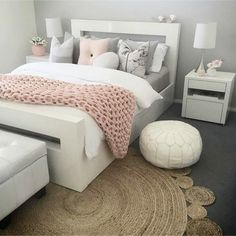 Blush Pink Bedroom Ideas - Dusty Pink Bedroom I Love - Claire C. - Blush Pink Bedroom Ideas – Dusty Pink Bedroom I Love – - Dusty Pink Bedroom, Rose Bedroom, Gold Bedroom Decor, Room Ideas Bedroom, Bedroom Yellow, Bedroom Designs, Blush And Gold Bedroom, Bedroom Sets, Light Pink Bedrooms
