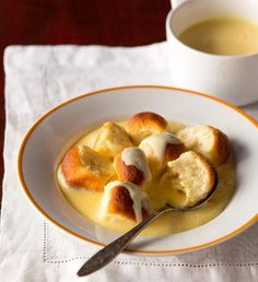 Czech Recipes, Main Meals, Foodies, Pudding, Sweet, Pretzel Bites, Doughnut, Europe, Bread