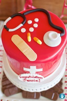 Sweetaprils: Nursing School Graduation Party Ideas {From Sweets Indeed and… Nursing School Graduation, Medical School, Graduate School, Graduation Cake, Nursing Schools, Graduation Ideas, Fancy Cakes, Cute Cakes, Medical Cake