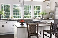 White, Airy Kitchen