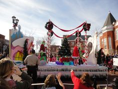 The Grinch Christmas Float Ideas.31 Best Christmas Float Ideas Images Christmas Float Ideas