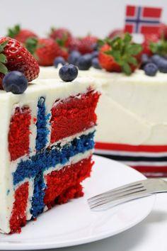 Delicious cake (flag cake) perfect for celebration of the Norwegian National day - flagg kake perfekt til 17 mai Food Cakes, Cupcake Cakes, Cupcakes, Cake Recipes, Dessert Recipes, Desserts, Norway National Day, Norway Food, Norwegian Flag