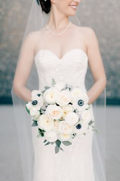 21 Wedding bouquet ideas for winter that will inspire you. We think a great bouquet can really take a wedding to the next level,especially a winter wedding