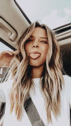 Desk to Datenight with Glo Skin Beauty* long bronde hair Long Bronde Hair, Hair Inspo, Hair Inspiration, Hair Day, Pretty Hairstyles, Pics Of Hairstyles, Ponytail Hairstyles, Hair Looks, Your Hair