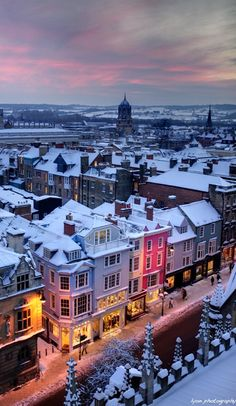 Snowy Oxford, England #travel