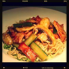 Hoishin pork, noodles