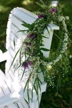 Love natural wreaths, wild flowers are really the best | seppele apiloista ja heinistä
