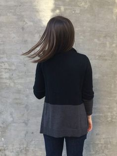 Check out the back of the petite-friendly @eddiebauer Flightplan II cardigan sweater in grey and black merino wool blend.   Dressed to Code