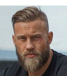 Do You Want to Know the Best Stylish Mens Haircuts SUMMER Bored from your haircut? Trimmed Beard Styles, Faded Beard Styles, Beard Styles For Men, Hair And Beard Styles, Short Hair Styles, Short Hair With Beard, Stylish Mens Haircuts, Mens Hairstyles With Beard, Haircuts For Men