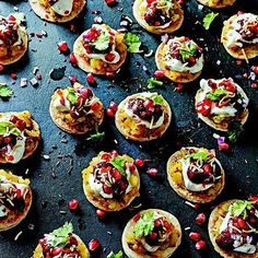 @anjali_pathak's Papri Chaat is the perfect crunchy indian street food snack. It has a crunchy base topped with lightly spiced potatoes yogurt sticky sweet date chutney and sprinkled with coriander red onions and pomegranate. Delicious!