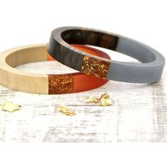 Gama Wooden Bangle With Gold Flakes
