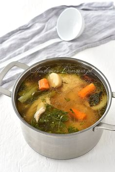 Chicken soup with noodles - Suppen - Picnic Sandwiches, Sandwich Bar, Maila, Chicken Soup, Chicken Noodles, Noodle Soup, Palak Paneer, Creme Brulee, Thai Red Curry